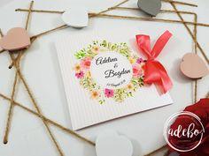 Daca sunteti in cautarea unor invitatii de nunta deosebite, invitatii de nunta personalizate conform cerintelor dvs. ori invitatii de nunta cu tematica florala, va recomandam modelul de invitatie nunta Sibel – tiparita pe carton special sidefat si fundita rosie din satin.