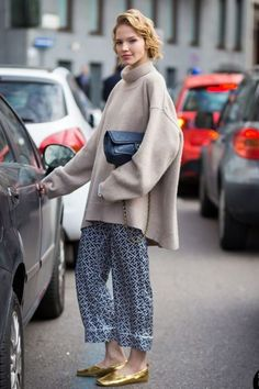 Add A Turtleneck - Pajama Dressing: Sleepwear-Inspired Looks That Go From Night To Day - Photos. - Total Street Style Looks And Fashion Outfit Ideas Fashion Night, Look Fashion, Street Fashion, Winter Fashion, Milan Fashion, Net Fashion, Mode Outfits, Fashion Outfits, Womens Fashion