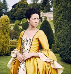 Caitriona Balfe as Claire Fraser in Outlander (TV Series, Outlander Tv Series, Claire Outlander, Diana Gabaldon Outlander Series, Outlander Season 2, Outlander Casting, Starz Series, Claire Fraser, Jamie Fraser, Jamie And Claire