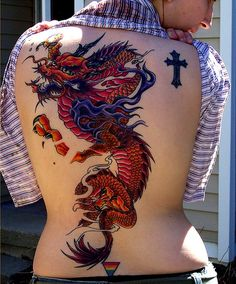 Dragons tattoo are the most trending and popular tattoo designs. checkout these latest dragon tattoo designs. Dragon Tattoo Color Meaning, Dragon Tattoo Designs Female, Dragon Tattoo Colour, Dragon Tattoo Back, Dragon Tattoo For Women, Japanese Dragon Tattoos, Back Tattoo, Tattoos For Women, Tattooed Women