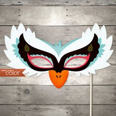 DIY Printable White Swan Mask - Halloween, Birthdays, masquerade ball, mardi gras, and weddings. $3.99, via Etsy.