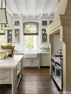Historic French estates inspire a home that is pared to perfection and brimming with simple beauty.