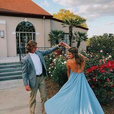 SPIN - guy should put hand in pocket - prom photo idea Prom Pictures Couples, Homecoming Pictures, Prom Couples, Prom Photos, Dance Pictures, Prom Pics, Teen Couples, Maternity Pictures, Prom Photography