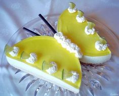 Lemon butterflies - A nice spring greeting - Recipe - Image no. 24 - Kuchen, Muffins und Co - Cake Desserts Ostern, Bon Dessert, Flavored Milk, Birthday Desserts, Pumpkin Dessert, Recipe Images, Cake Mold, Food Cakes, Easter Recipes