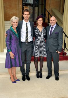 Andy Murray and Kim Sears Photos Photos - Wimbledon champion Andy Murray, his parents Judy and Will pose with his long time girlfriend Kim Sears as they arrive at Buckingham Palace on October 17, in London, England. Murray will become an Officer of the Order of the British Empire (OBE) and receive his medal from the Duke of Cambridge. - Investitures Held at Buckingham Palace
