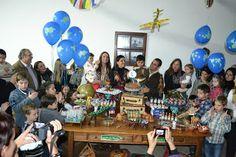 """Felipe, o pequeno viajante: mais sobre festa infantil com o tema """"viagens"""" - a mesa do bolo"""