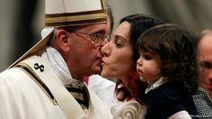"""http://www.dw.de/papa-francisco-el-mundo-necesita-más-ternura/a-18150640   """"El mundo necesita más ternura"""", pregonó el argentino Jorge Mario Bergoglio durante su segunda Misa de Gallo como líder de la Iglesia católica."""
