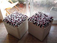 Dúo de Cubre Puffs Tricolores.  Medidas: 40x40cm.