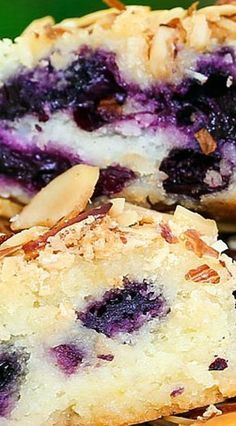 Blueberry Almond Breakfast Cake ~The perfect combination of blueberry and almond in a tender butter cake. This recipe comes together so easily - Perfect for making any time of year with fresh or frozen fruit. Brunch Recipes, Sweet Recipes, Cake Recipes, Dessert Recipes, Muffin Recipes, Snack Recipes, What's For Breakfast, Breakfast Dishes, Brunch Dishes