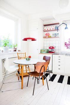 Decor Inspiration: Eclectic Vintage Kitchens