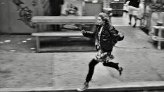 SET IN NYC: MY LIST OF FILM PICKS iconic 'Big Apple' films, according to me: http://thesymmetric.com/ (still from Frances Ha)