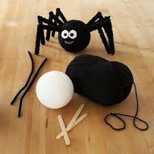 DIY pom pom spider