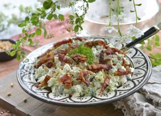 Verdens beste brokkolisalat – Francisco's Beautiful World – Oppskrifters Cooking Recipes, Healthy Recipes, Broccoli Salad, Summer Salads, Food Inspiration, Potato Salad, Tapas, Herbalism, Bacon