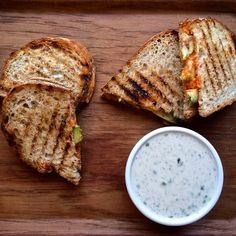 Sriracha Grilled Cheese with Ranch Dipping Sauce - Delicious, Dairy Free and So Easy! for the bar? Wrap Recipes, Milk Recipes, Whole Food Recipes, Vegetarian Recipes, Vegan Mayonaise, Grilled Cheese Avocado, Vegan Burgers, Vegan Dishes, Dulce De Leche