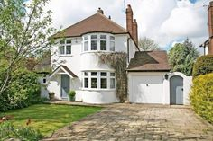 3 bedroom detached house for sale in Goffs Oak, Hertfordshire - Rightmove. 1930s House Extension, House Extension Plans, House Extension Design, 1930s House Exterior Uk, 1930s House Interior, House Windows, House Roof, 1930s House Renovation, Rendered Houses