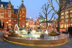 AMSTERDAM - Fonte do American Hotel, em Leidseplein