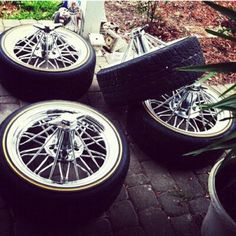 wire wheels on vogue tires swangerz