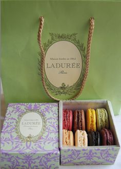 Ladurée box identical Gossip Girl 4x08 : Juliet Does not Live Here Anymore