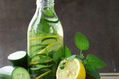 The Most Powerful Detox: Cucumber Water Detox Cucumber Lemonade, Cucumber Detox Water, Water Benefits, Health Benefits, Health Tips, Detox Cleanse Water, How To Make Matcha, Bebidas Detox, Orange Blossom Honey