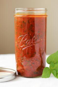 Tomato Basil Garlic Marinara from Fresh Tomatoes | Feastie