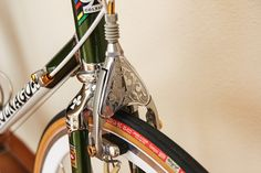 In The Lion City: The Engraved Campagnolo Colnago - Beautiful! Velo Vintage, Vintage Bicycles, Cycling Tips, Zwift Cycling, Bicycle Women, Cool Bicycles, Bicycle Accessories, Bike Parts, Bike Frame