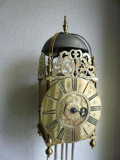 No. B. 47. Engelse Lantaarn klok - Schreurs klokken