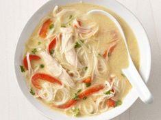 Cucina thai: zuppa di pollo e spaghetti | Ricette di ButtaLaPasta