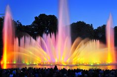 Faszination aus Wasser, Licht und Musik - Planten un Bloomen - Mai bis Oktober täglich ab 22 Uhr, im Oktober ab 21 Uhr