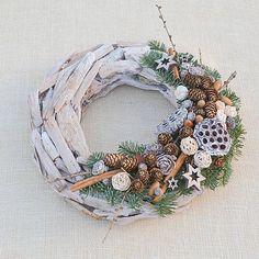Hydrangea / Prírodný drevený vianočný veniec Longwood Gardens, Fall Decor, Holiday Decor, Christmas Inspiration, Xmas Decorations, All Things Christmas, Grapevine Wreath, Grape Vines, Christmas Wreaths
