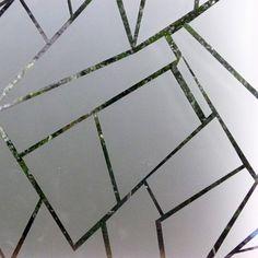 Film dépoli pour vitre, un bel effet vitre cassée
