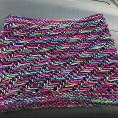 One Skein Slant by Lisa Dykstra, knitted by @trinket90   malabrigo Rios in Aniversario