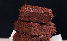 <p>These brownies may be low in refined sugar, but they are sweet, fudgy, and oh-so satisfying. </p>