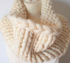Hand-knitted cowl in chunky white pure wool Merino Wool Blanket, My Ebay, Mittens, Hand Knitting, Cowl, Pure Products, Accessories, Fingerless Mittens, Cowls
