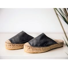 Sambila mules predict that an adventurous summer in coming! Mule Sandals, Espadrille Sandals, Mules Shoes, Espadrilles, Shoes Sandals, Slow Fashion, Jute, Soft Leather, Printing On Fabric
