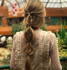 "Acquire terrific pointers on ""wedding hairstyles updo"". They are available for you on our site. Top Hairstyles, Pretty Hairstyles, Braided Hairstyles, Wedding Hairstyles, Crazy Hairstyles, Hairstyle Braid, Short Wedding Hair, Good Hair Day, Hair Dos"