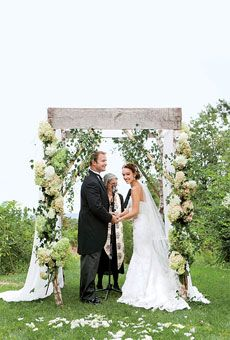 25 Ways to Personalize Your Wedding Ceremony : I had no idea what to do other than vows and I LOVE LOVE LOVE these ideas!