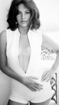 Jacqueline Bisset in Low Neckl. is listed (or ranked) 3 on the list The 20 Hottest Jacqueline Bisset Photos Ann Margret, Natalie Wood, Helen Mirren, Hollywood Actresses, Actors & Actresses, Most Beautiful Women, Beautiful People, Jacqueline Bissett, Vaquera Sexy