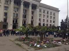 Maidan-like mourning #Odessa today via @euromaidan 04-05-14 pic.twitter.com/IWzIYzQVgC