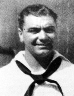 Ernest Borgnine (né Ermes Effron Borgnino) Gunner's Mate Class US Navy WW II. He served one term in the Navy after high school, then reenlisted after Pearl Harbor. During the war he served aboard the USS Lamberton in the Pacific Theater. Hollywood Stars, Classic Hollywood, Old Hollywood, Gi Joe, Famous Veterans, Ernest Borgnine, Military Veterans, Military Service, Military History