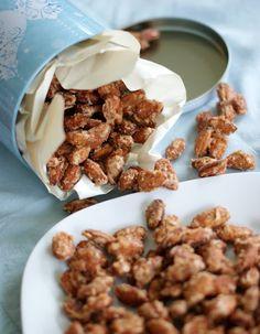 Vanilla and Cinnamon Candied Nuts  2 c nuts, 3/4 c white sugar, 1/3 c water, 2 tsp vanilla, 1/4 tsp cinnamon
