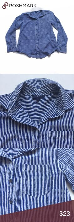 NWOT GAP Blouse Shirt S NWOT Gap Blouse in size small. Smooth weave. Long sleeves with button cuffs. Point cola. Patch pocket at chest. Shirttail hem. Allover blue and white pattern. Straight silhouette with an easy, relaxed fit. Hits at the hips. GAP Tops Button Down Shirts