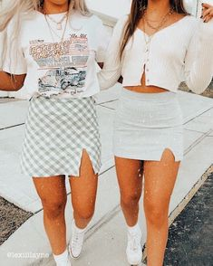 look at these fits⭐️ 𝚒𝚏 𝚛𝚎𝚙𝚘𝚜𝚝𝚎𝚍, 𝚐𝚒𝚟𝚎 𝚌𝚛𝚎𝚍𝚒𝚝 ✰ 𝚎𝚍𝚒𝚝𝚎𝚍 𝚋𝚢 𝚕𝚎𝚡𝚒𝚒𝚒𝚕𝚊𝚢𝚗𝚎 ✰ 𝚍𝚖 𝚏𝚘𝚛 𝚙𝚒𝚌 𝚌𝚛𝚎𝚍𝚒𝚝 Italian sw Trendy Summer Outfits, Cute Teen Outfits, Cute Comfy Outfits, Teenager Outfits, Teen Fashion Outfits, Retro Outfits, Simple Outfits, Outfits For Teens, Stylish Outfits