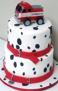 Cute firefighter baby shower cake if I have a boy :) Fireman Cake, Fireman Party, Fancy Cakes, Cute Cakes, Firefighter Baby Showers, Fire Fighter Cake, Firefighter Birthday, Firefighter Emt, Truck Cakes