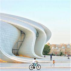 Heydar Aliyev Center - Arch2O.com