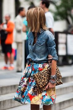 Denim shirt + printed full skirt + large leopard clutch = one perfecto outfit!! Too cute for vacation!!