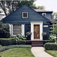 Exterior paint cottage curb appeal ideas for 2019 Future House, Exterior Paint Colors For House, Paint Colors For Home, Paint Colours, Navy House Exterior, House Painting Exterior, House Siding Colors, Outdoor House Colors, Cottage Exterior Colors