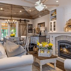 French Country Living Room, Boho Living Room, French Country Decorating, Home And Living, Small Living, Modern Living, Farmhouse Living Rooms, Southern Living Rooms, French Country Interiors