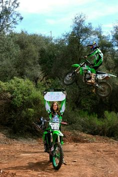 Gender reveal - this would be so fun! Motocross Couple, Motocross Baby, Bike Couple, Cute Country Couples, Cute Couples Goals, Relationship Goals Pictures, Cute Relationships, Dirt Bike Quotes, Cool Dirt Bikes