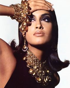 Yasmeen Ghauri, Anne Klein Jewelry SS 1991. Ph Steven Meisel #yasmeenghauri #anneklein #jewelry #stevenmeisel #vogue #fashion #90sfashion