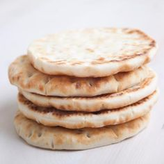 Flatbread made from high fiber coconut flour! This fast flatbread rounds can be used for sandwiches, dipping or toasting. uses coconut flour, eggs, baking soda and powder, and a non-dairy milk Gluten Free Baking, Gluten Free Recipes, Low Carb Recipes, Real Food Recipes, Cooking Recipes, Yummy Food, Bread Recipes, Comidas Paleo, Coconut Flour Recipes